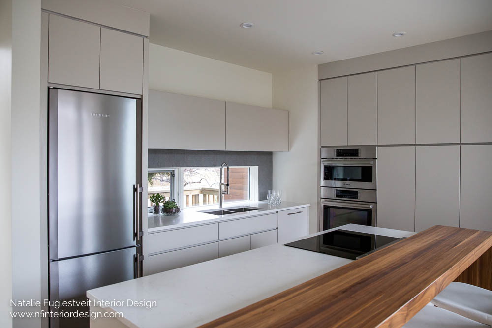 Briar hill interior design a seamless modern kitchen for Interior designs red deer