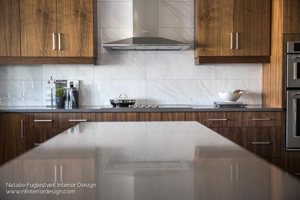 Modern Mainstream Kitchen by Natalie Fuglestveit Interior Design 5