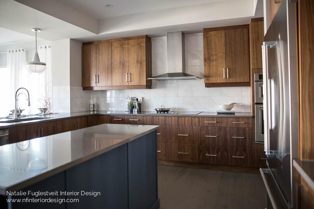 Modern Mainstream Kitchen by Natalie Fuglestveit Interior Design